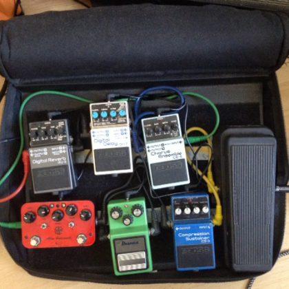 https://www.joergfleer.de/wp-content/uploads/2013/02/pedal-board.jpg